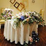 アンティークなメインテーブル装花